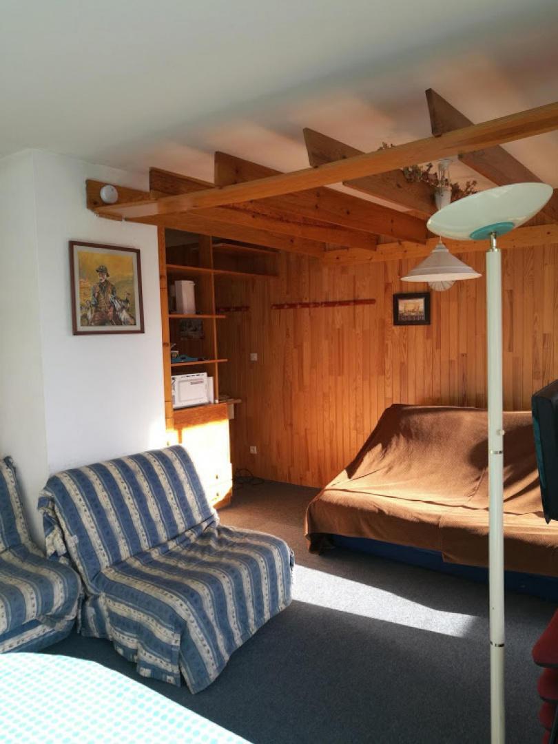 Cozy apartment close to the center of Saint-Lar... Slide-2