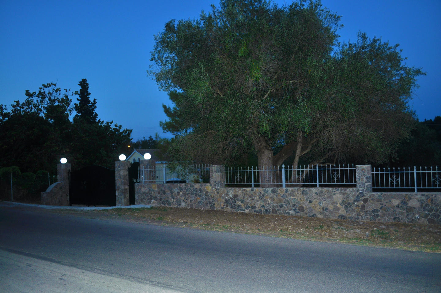 Spacious house in Corfu with Internet, Washing ... Slide-2