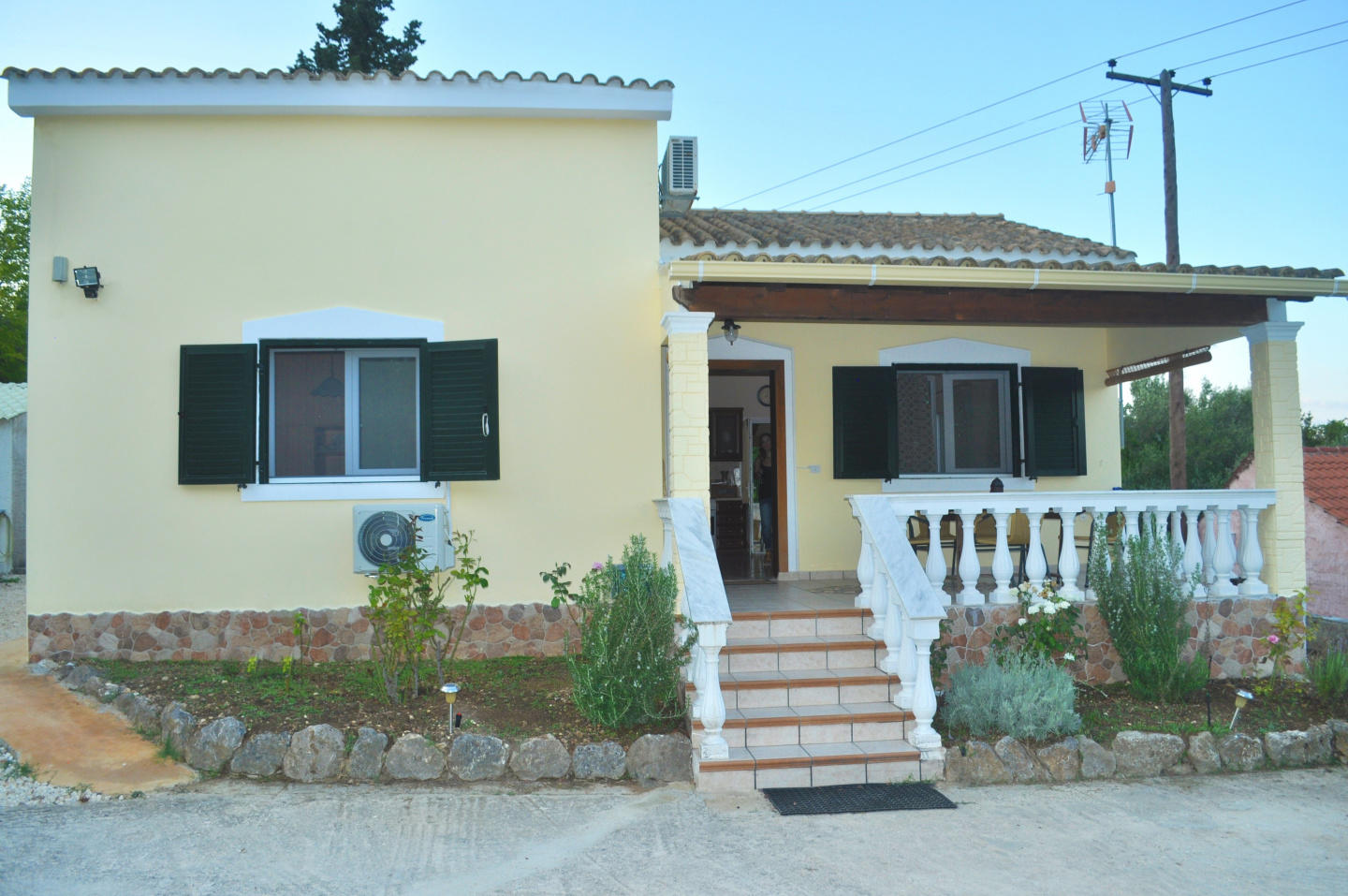 Spacious house in Corfu with Internet, Washing ... Slide-3