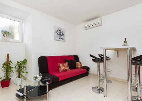 Cozy apartment in the center of Split with Internet, Washing machine, Air conditioning