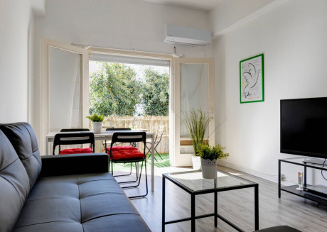 Spacious apartment in the center of Tel Aviv-Yafo with Internet, Air conditioning, Balcony