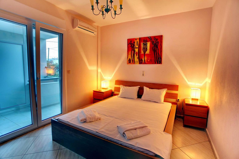 Cozy apartment in Keramoti with Internet, Balco... Slide-3