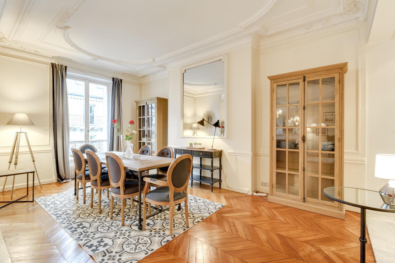 Spacious apartment in Paris with Lift, Internet Slide-3