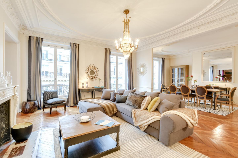 Spacious apartment in Paris with Lift, Internet Slide-1