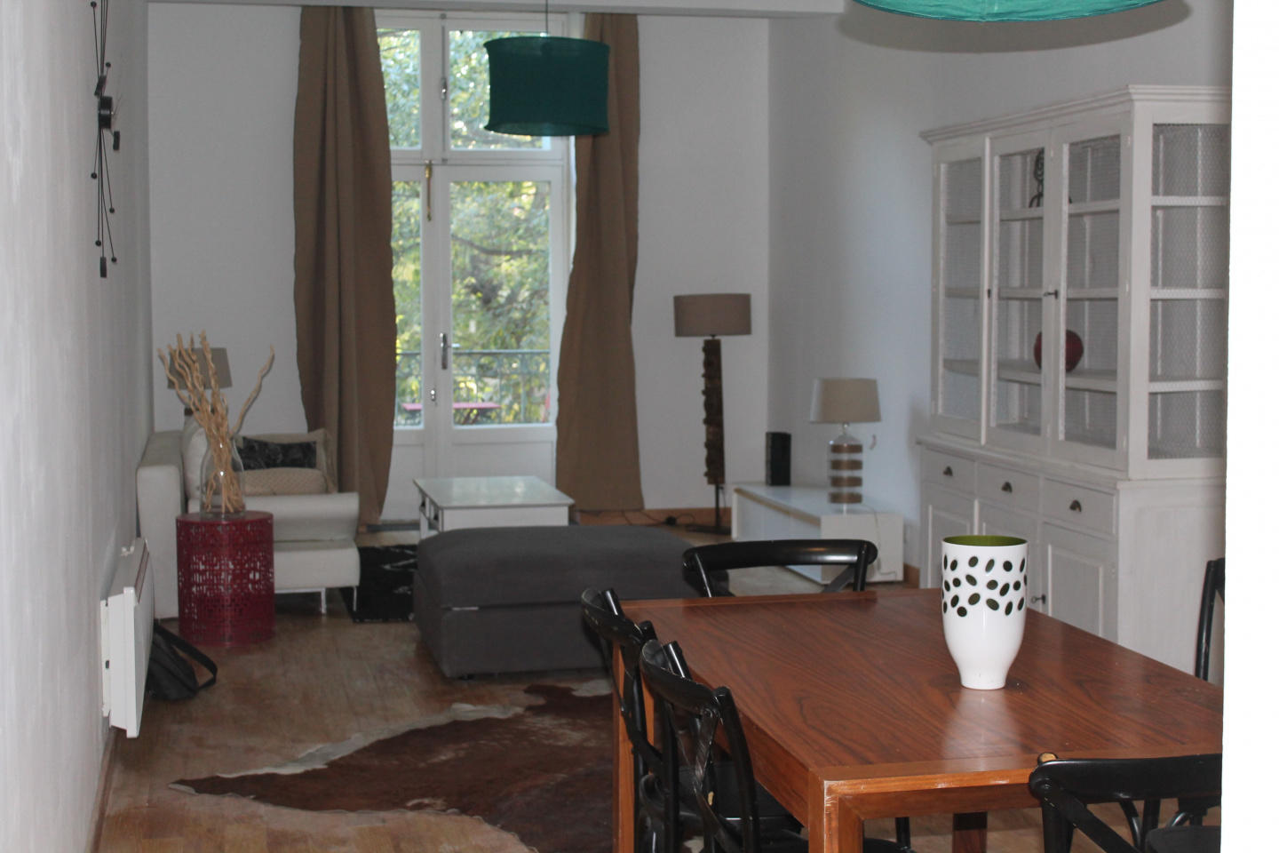Spacious apartment in the center of Nimes with ... Slide-3
