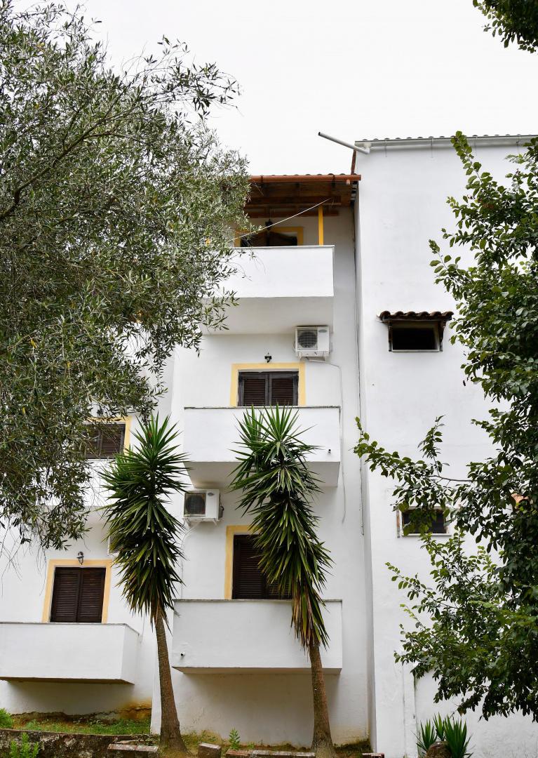 Cozy apartment in Achilleio with Internet, Wash... Slide-3