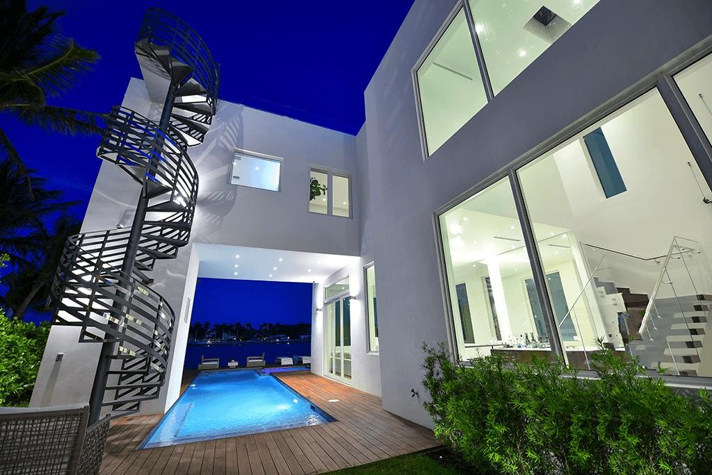 Cozy house in Miami Beach with Internet, Pool Slide-1