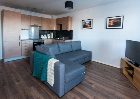 Cozy apartment in Manchester with Lift, Parking, Internet, Washing machine