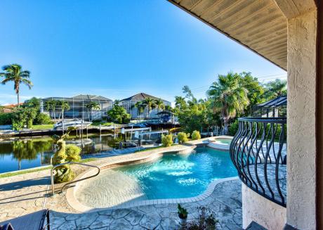 Sirena Waterfront Vacation Rental