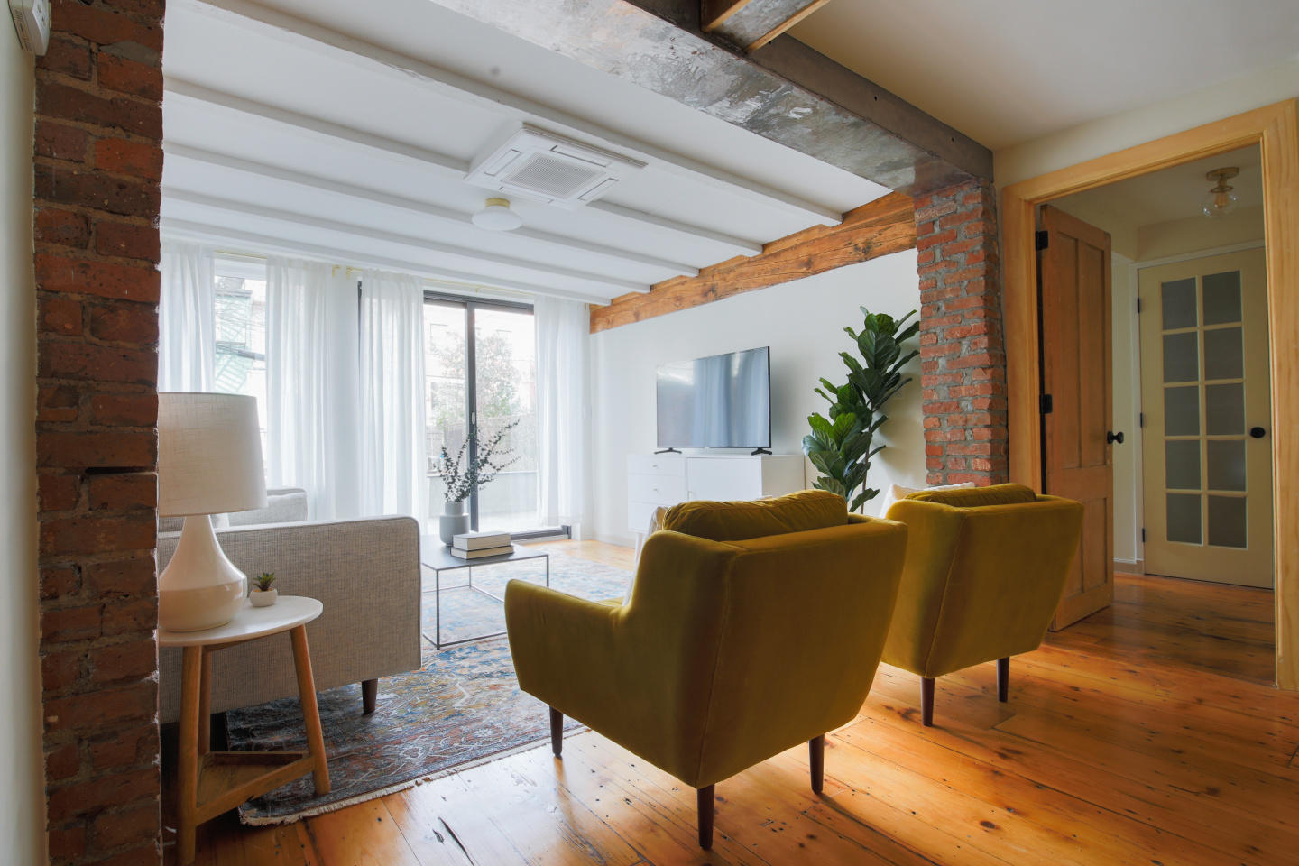 Spacious apartment in New York with Internet, G... Slide-2