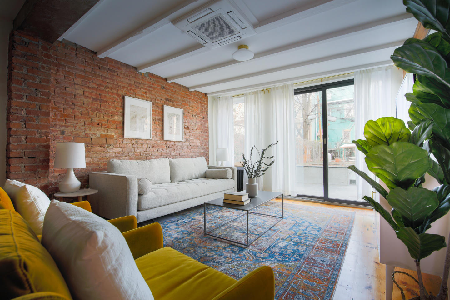 Spacious apartment in New York with Internet, G... Slide-1