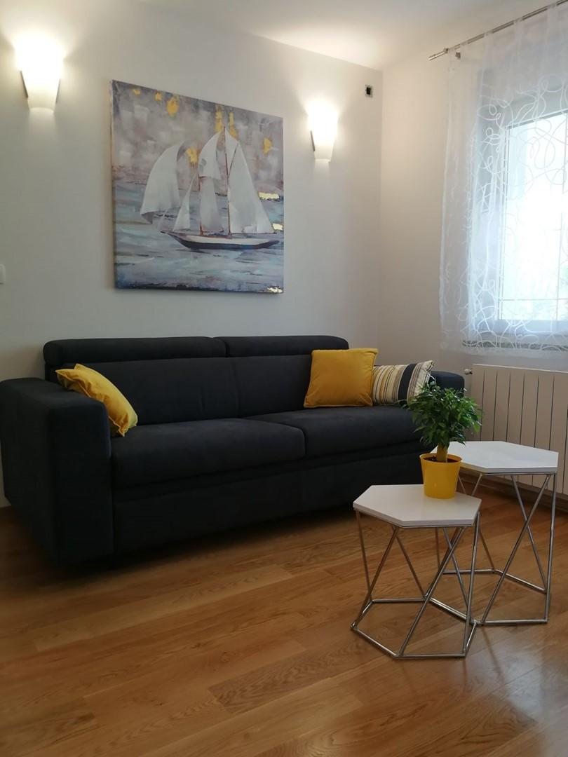 Spacious apartment in the center of Selce with ... Slide-3