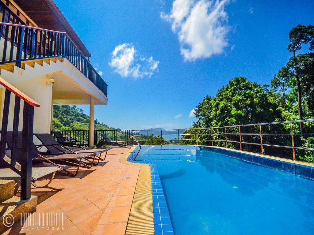 Paradise Hills 13 Bedroom Luxury Villa Near Beach Slide-1