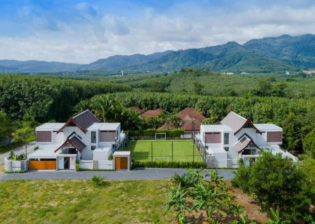 Limelight Villa with Football Pitch & Pool