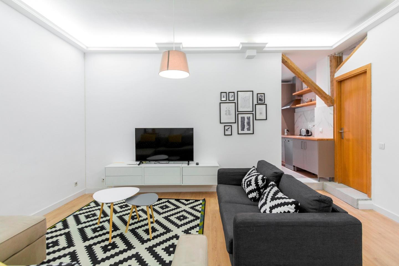 Spacious apartment close to the center of Madri... Slide-3