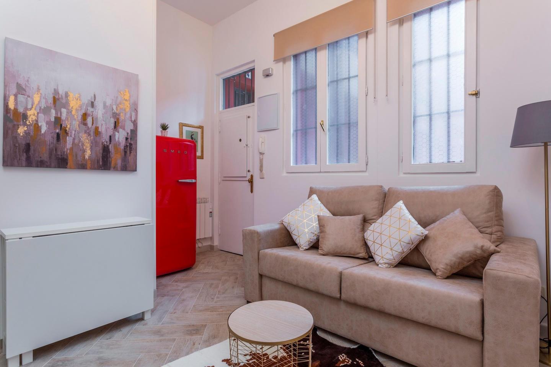 Cozy apartment very close to the centre of Madr... Slide-1