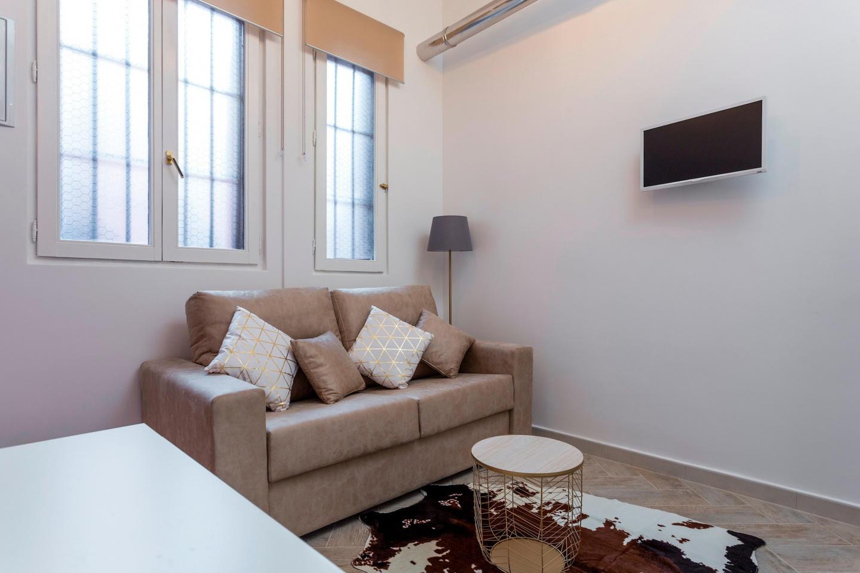 Cozy apartment very close to the centre of Madr... Slide-2