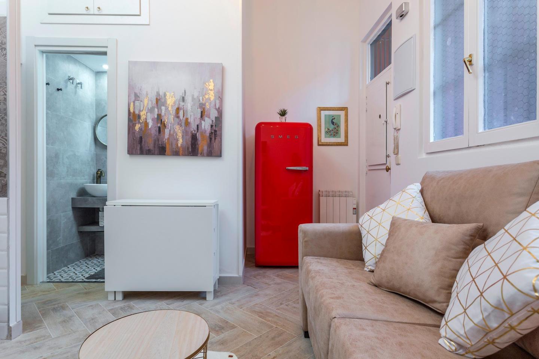 Cozy apartment very close to the centre of Madr... Slide-3