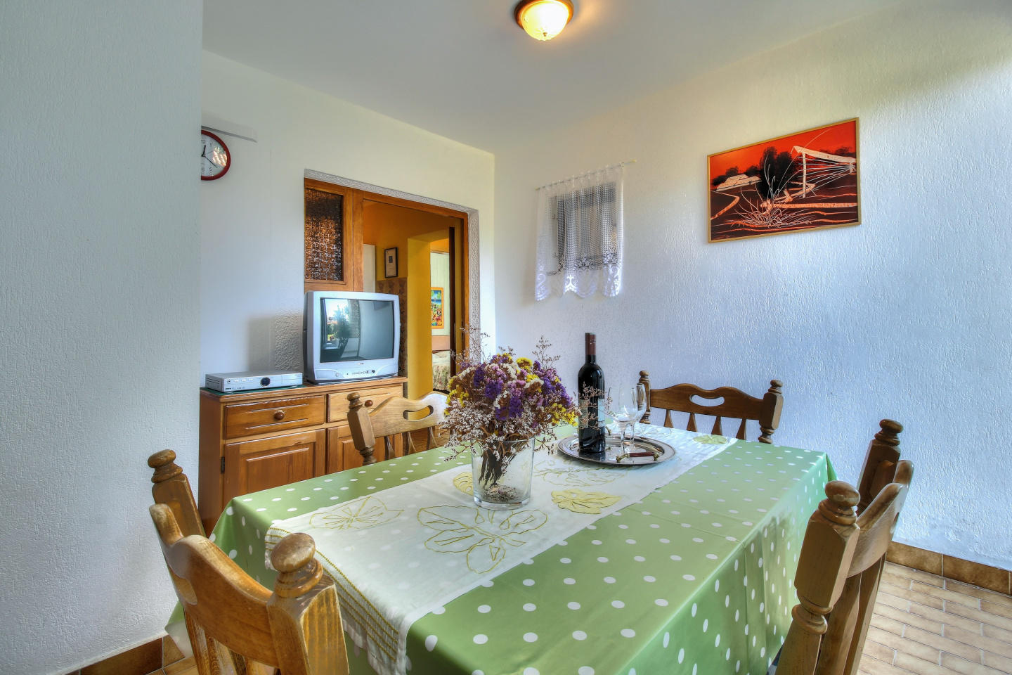 Cozy apartment in the center of Zambratija with... Slide-3