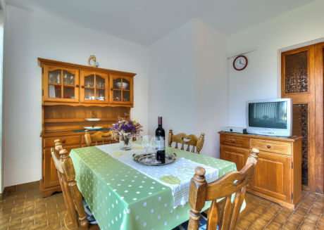 Cozy apartment in the center of Zambratija with Parking, Internet, Washing machine, Air conditioning
