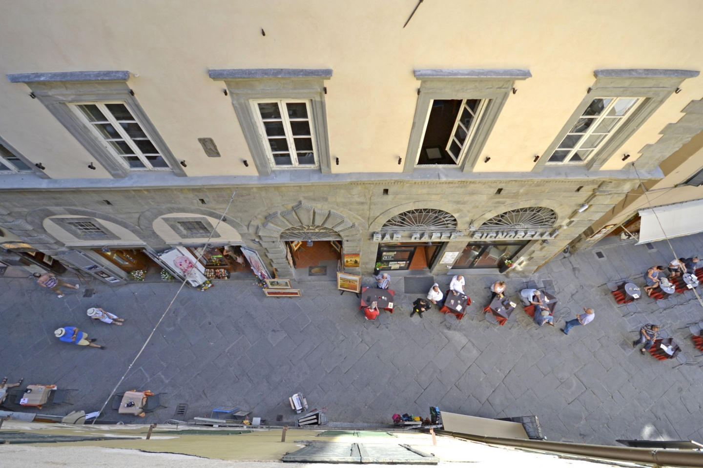 Cozy apartment in the center of Cortona with In... Slide-2