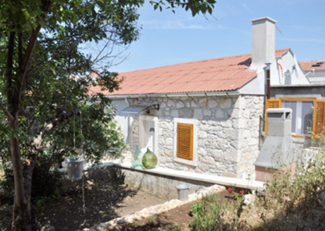 Cozy apartment in the center of Veli Rat with Parking, Internet, Air conditioning, Balcony