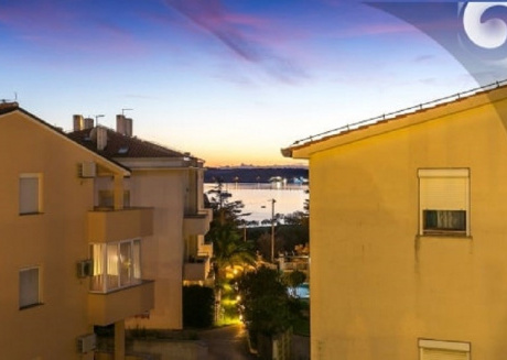 Spacious apartment very close to the centre of Medulin with Parking, Internet, Washing machine, Air conditioning