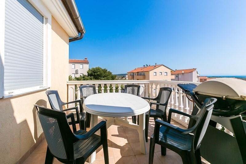 Spacious apartment in the center of Ližnjan wi... Slide-3