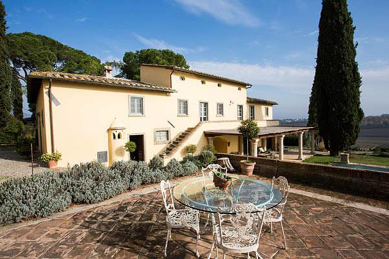 Spacious villa in Cortona with Parking, Interne... Slide-2