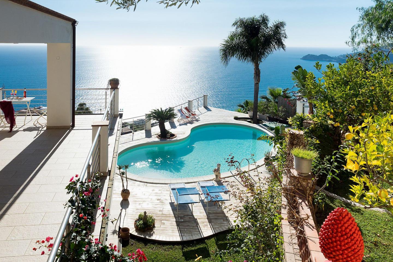 Spacious villa close to the center of Letojanni... Slide-3
