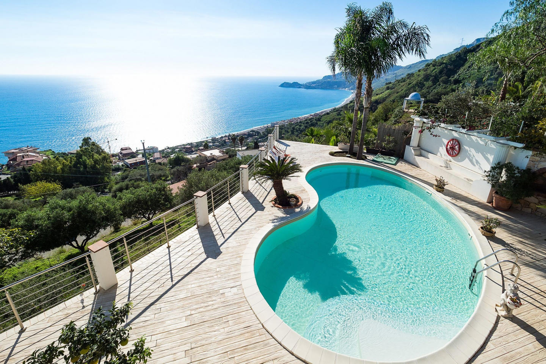 Spacious villa close to the center of Letojanni... Slide-2