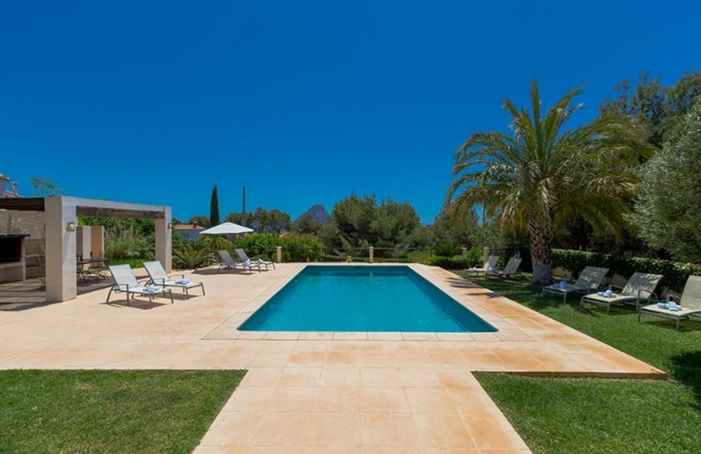 Cozy villa close to the center of Calp with Par... Slide-3