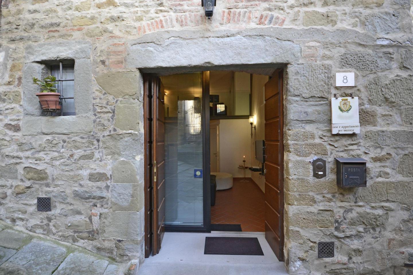 Spacious apartment in the center of Cortona wit... Slide-3