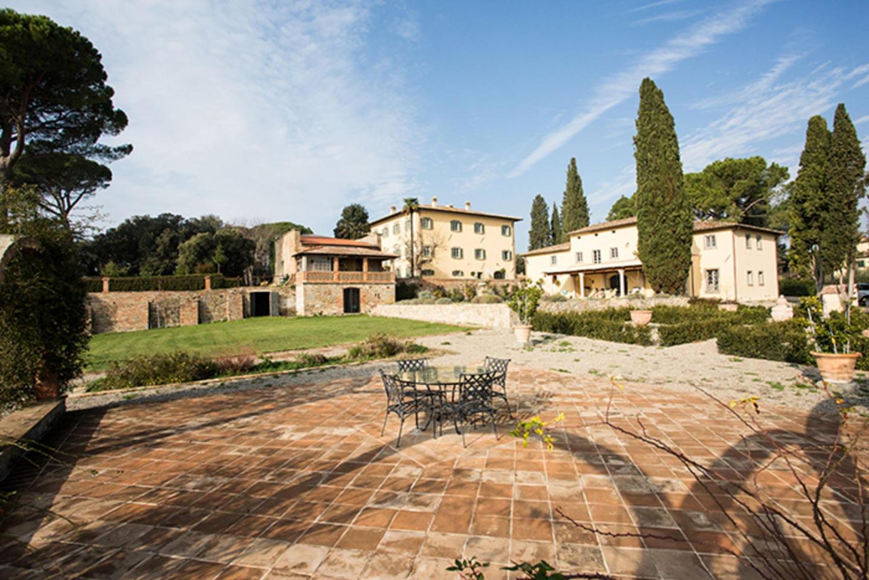 Spacious villa in Cortona with Parking, Interne... Slide-3