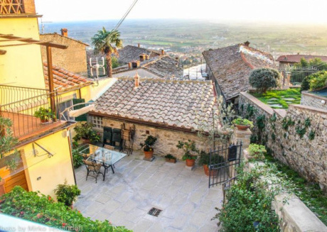Spacious apartment in the center of Cortona with Internet, Washing machine, Air conditioning, Garden