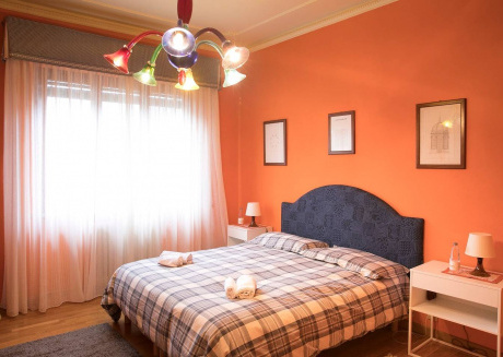 Cozy apartment very close to the centre of Lucca with Parking, Internet, Washing machine