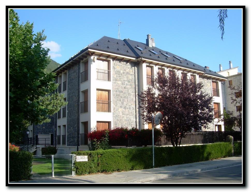 Biescas- Edificio Géminis 2, 2ºB Slide-1