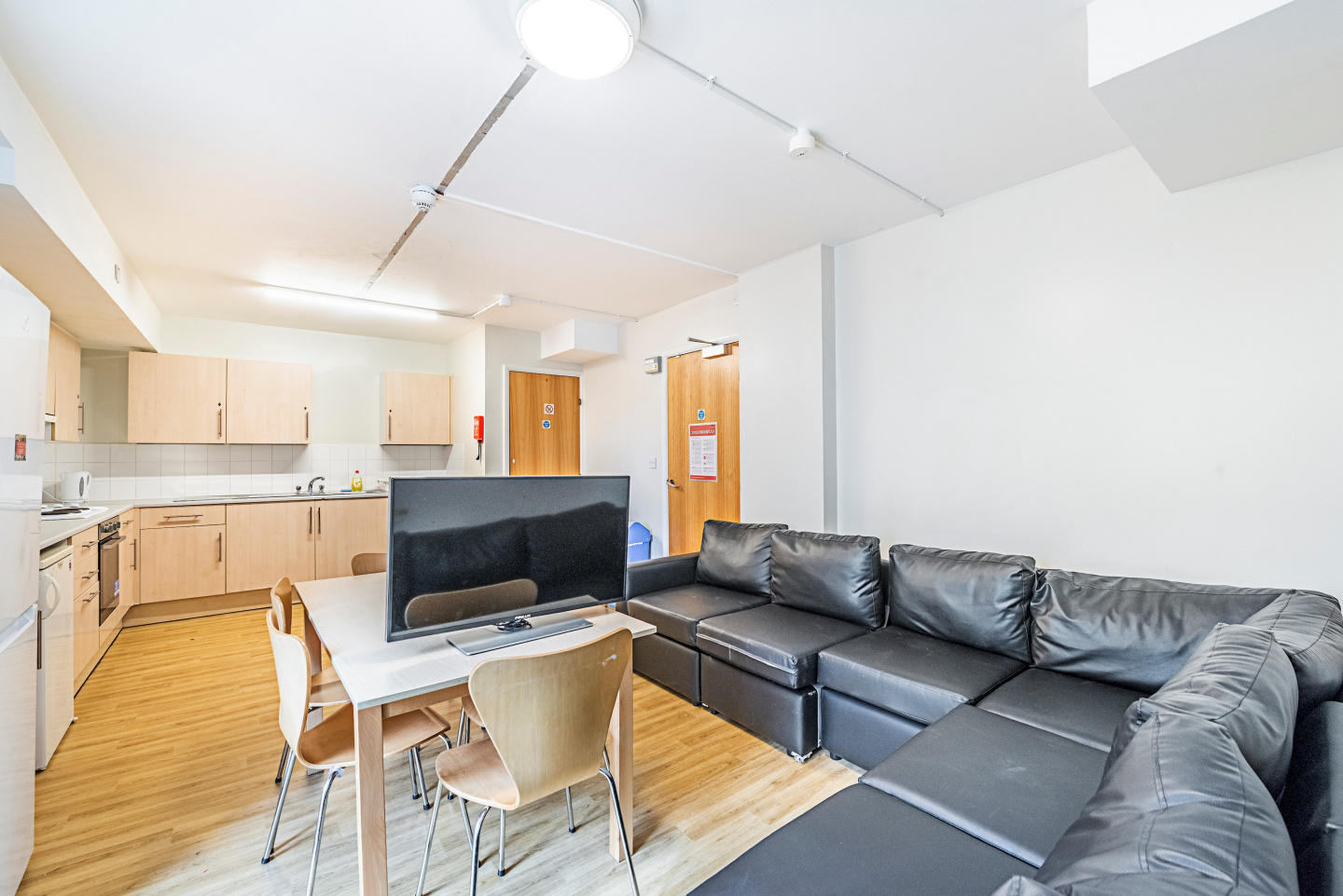 New Cross 208 D · Catchy Single Room In Greate... Slide-3
