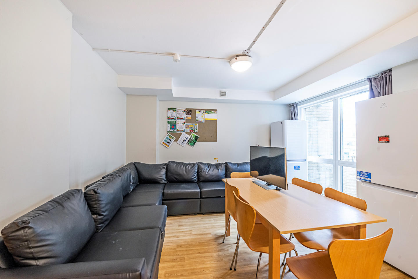 New Cross 208 D · Catchy Single Room In Greate... Slide-2