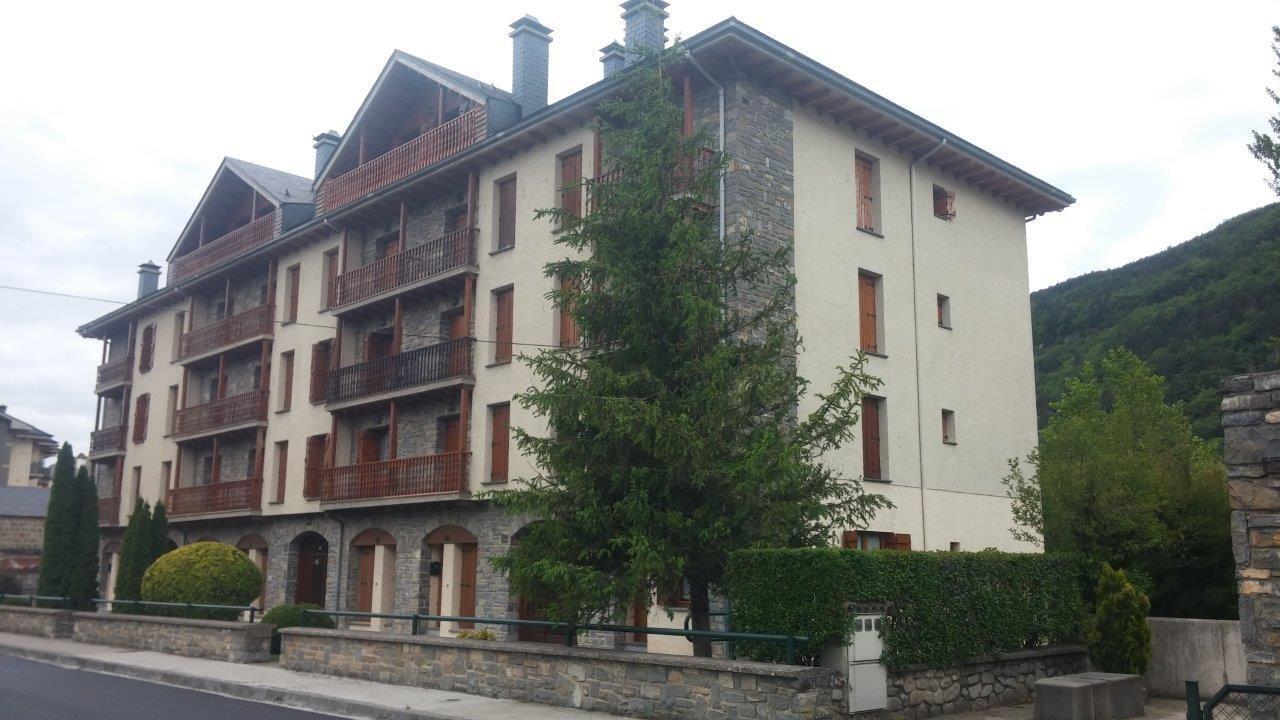 Biescas- Edificio Sobremonte Bajo F Slide-1
