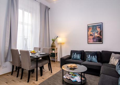 Elegant Apartment Serikova CZPR20