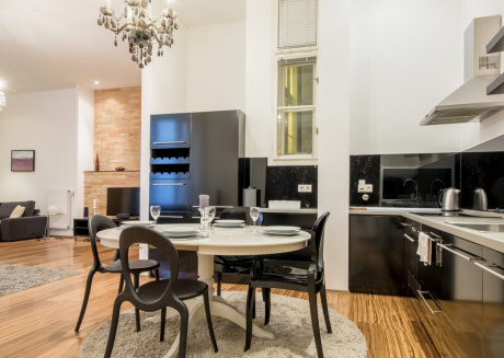 Downtown Luxury Design Apartment in Top Location
