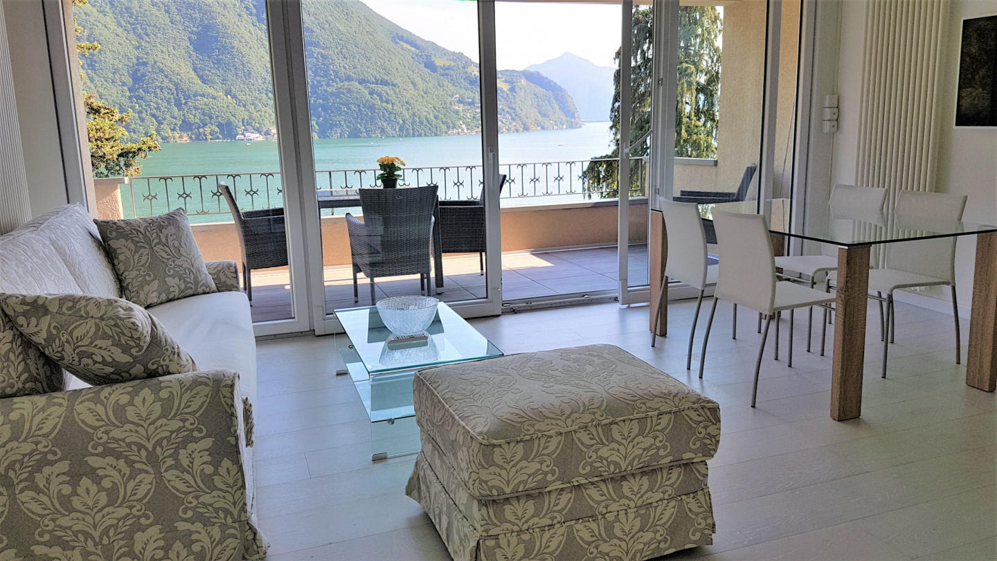 Luxury with Lake View Slide-1