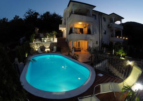 Beautiful Luxury Unique Villa Georgina