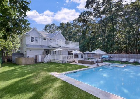 Cozy house close to the center of Sag Harbor