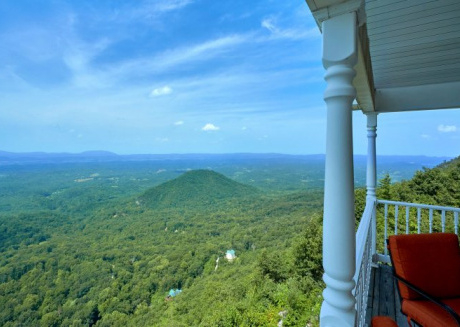 1 Bedroom on Beautiful Bluff Mountain with Awesome Views!