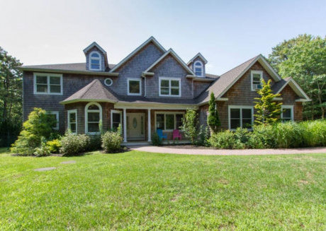 Cozy house in East Quogue with Internet, Air conditioning