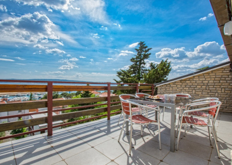 Spacious apartment in the center of Crikvenica with Parking, Internet, Air conditioning, Balcony