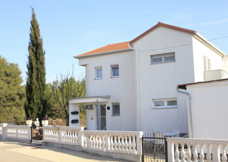 Spacious apartment close to the center of Biograd na Moru with Parking, Internet, Air conditioning, Balcony