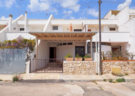 Cozy house in the center of Torre San Giovanni with Washing machine, Air conditioning, Terrace